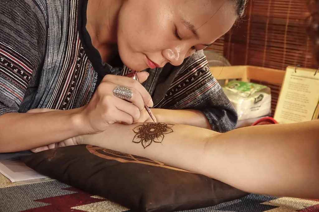 Henna Tattoo in Hoi An, Henna Art Hoi An